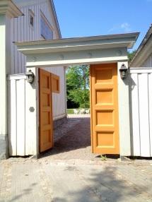 Porten till Prosten Phils gård
